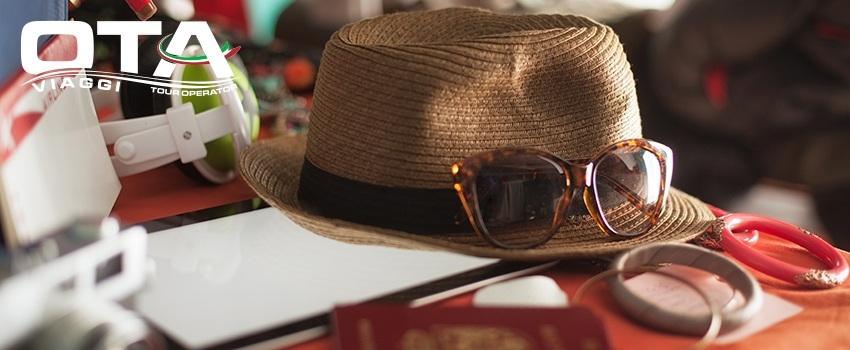 Oggetti indispensabili quando si viaggia: cosa portare sempre con se